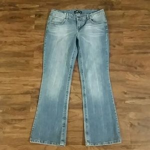 lei Jeans - LEI Ashley Lowrise Bootcut Jeans, 11 short